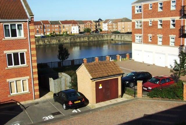 Thumbnail Flat for sale in Lock Keepers Court, Victoria Dock, Hull