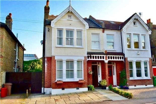 Thumbnail Property for sale in Elgin Road, Wallington