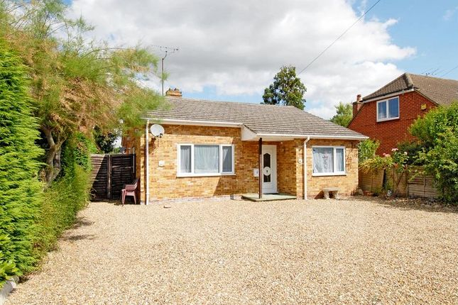 Thumbnail Bungalow to rent in Rowan Drive, Crowthorne, Berkshire