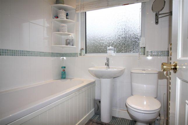Bathroom of Larmans Road, Enfield EN3