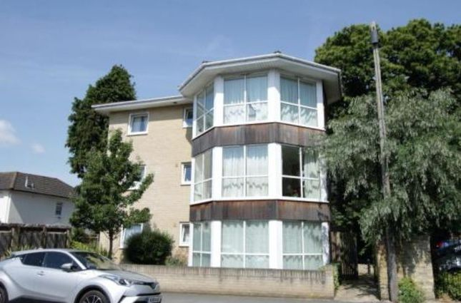 Thumbnail Flat for sale in Regents Park Road, Southampton