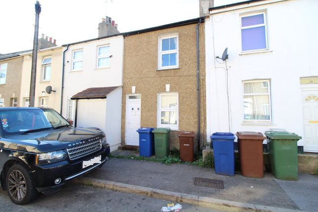 Thumbnail Terraced house to rent in Wood Street, Grays