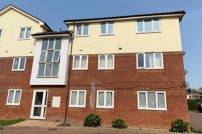 2 bed flat to rent in Odette Gardens, Tadley RG26