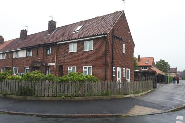 Thumbnail Town house to rent in Nolloth Crescent, Beverley