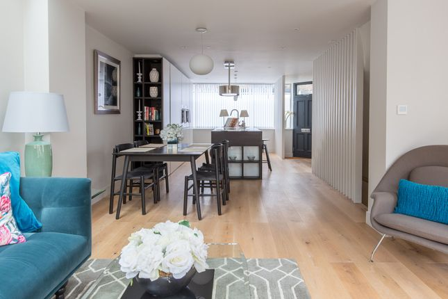Thumbnail Town house to rent in North Street, London