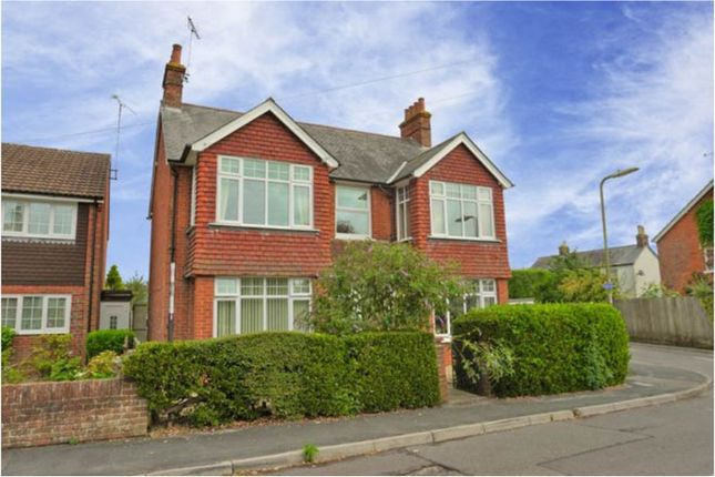 Thumbnail Flat to rent in 22 Queens Road, Alton