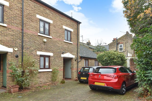 Thumbnail Terraced house for sale in Beauchamp Close, Chiswick, London