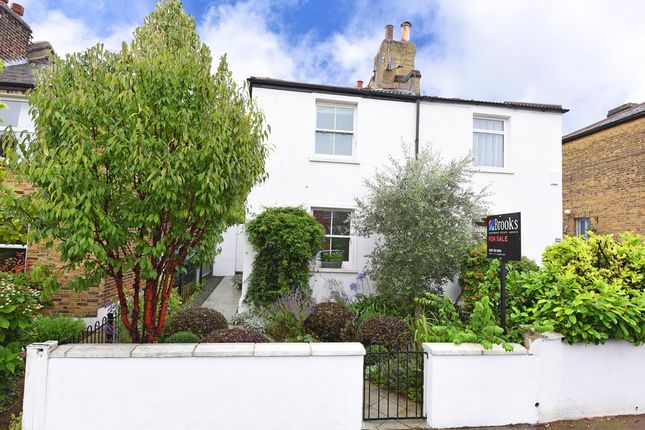 2 bed semi-detached house for sale in Wellfield Road, London