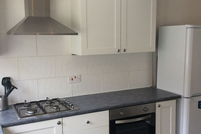 Thumbnail Town house to rent in Beach Road, Southsea