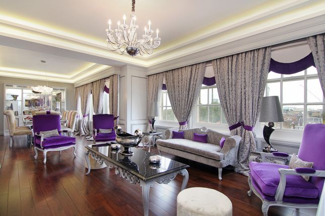 Flat for sale in Portman Square, London