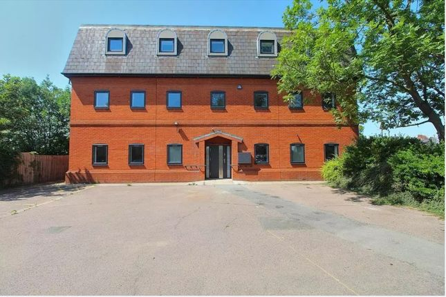 Thumbnail Studio to rent in Sherbourne House, Collingwood Road, Witham.
