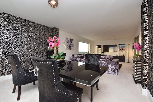 Thumbnail Flat for sale in Penthouse, Sandmoor Court, Alwoodley, Leeds, West Yorkshire