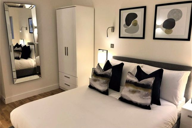 Master Bedroom of The Grand, Broad Street, Banbury OX16
