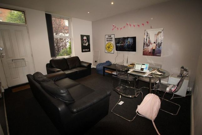Thumbnail Property to rent in Royal Park Terrace, Hyde Park, Leeds