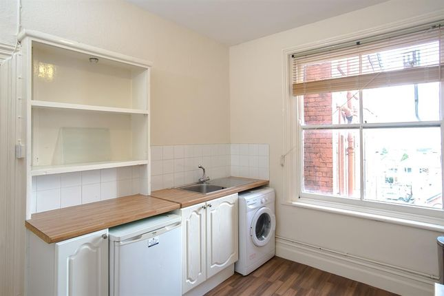 Kitchen of 8 The Central, High Street, Llandrindod Wells LD1