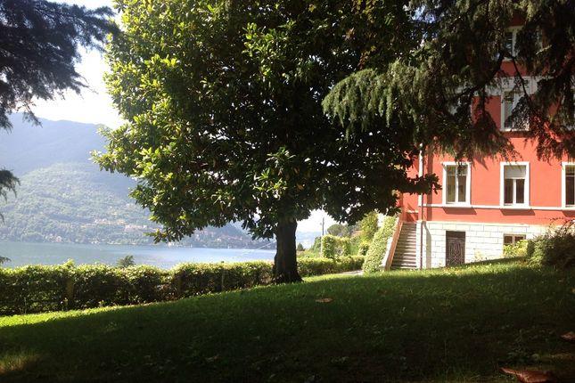 Thumbnail Villa for sale in Cernobbio, Cernobbio, Como, Lombardy, Italy