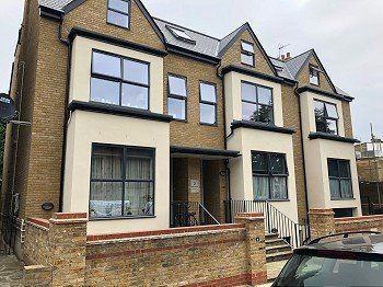 Thumbnail Flat to rent in Clock House Parade, North Circular Road, London