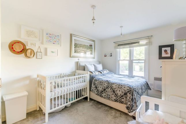 Thumbnail Flat to rent in Bromley Road, Catford, London