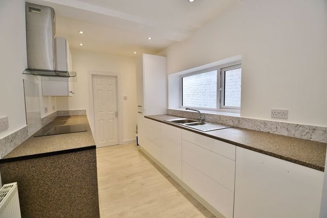 Thumbnail Terraced house to rent in Guildford Road, Salford