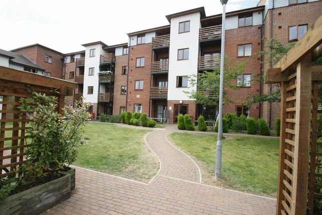 Thumbnail Flat to rent in John North Close, High Wycombe