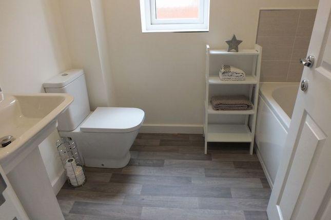 Family Bathroom of Carsington Drive, Sandyford, Stoke-On-Trent ST6
