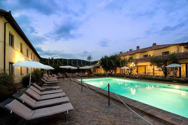 Thumbnail Hotel/guest house for sale in Perugia, 06100, Italy