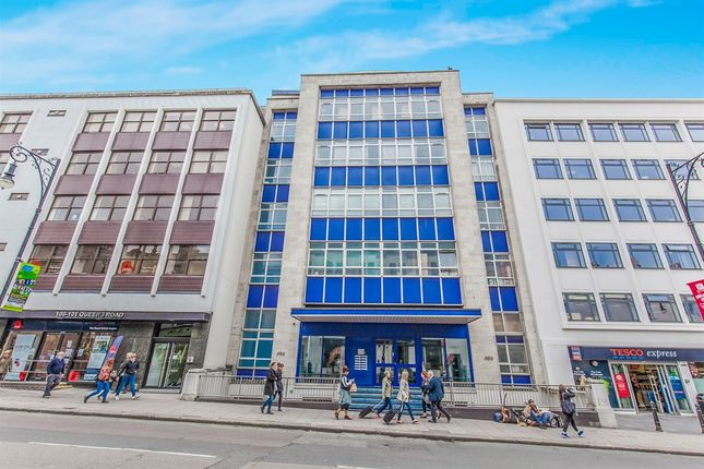 Thumbnail Flat for sale in Queens Road, Brighton