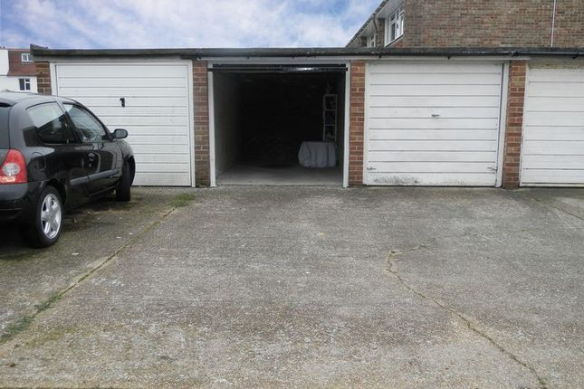 Photo 3 of The Tynings, Lancing BN15
