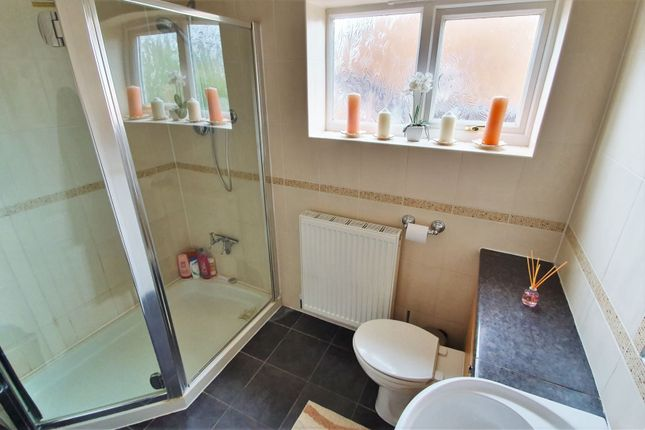 Bathroom of The Huntings, Kirby Muxloe, Leicester LE9