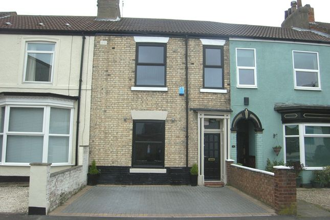 Thumbnail Terraced house for sale in Caroline Place, Hull