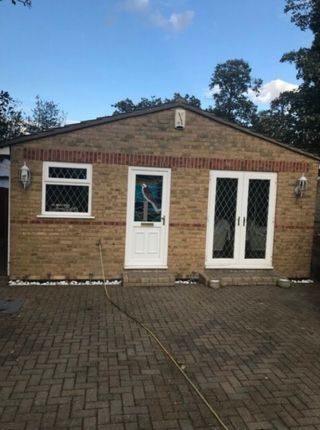 1 bed bungalow to rent in Carlton Road, Erith DA8