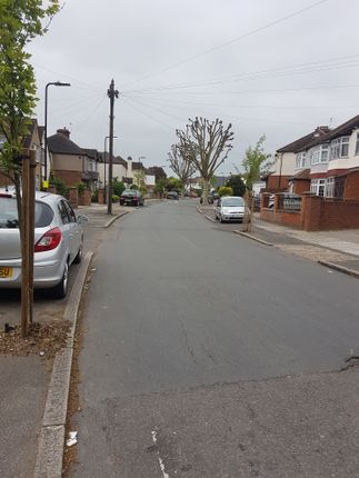 Thumbnail Link-detached house to rent in Minterne Avenue, Norwood Green Southall