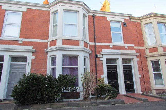 2 bed flat to rent in Fairfield Road, Jesmond, Newcastle Upon Tyne