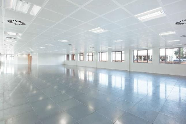 Office to let in 15 Forlease Road, Maidenhead, Berkshire