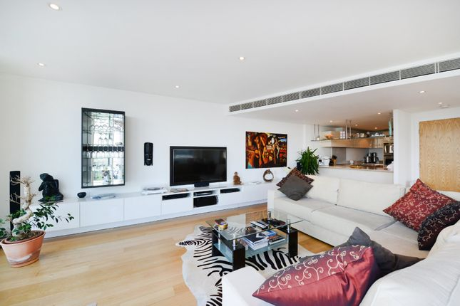Thumbnail Flat for sale in Ensign House, Battersea Reach