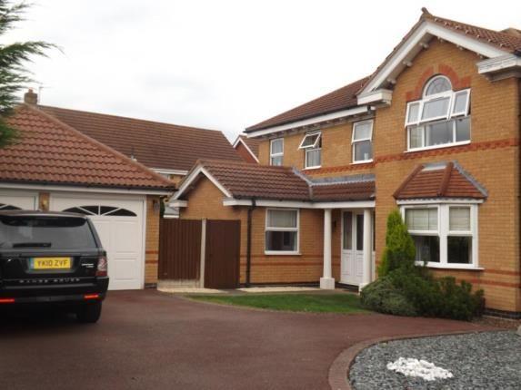 Thumbnail Detached house for sale in Longlands Drive, West Bridgford, Nottingham