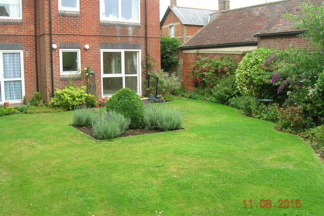 Thumbnail Flat to rent in Homefarris House, Shaftesbury, Dorset