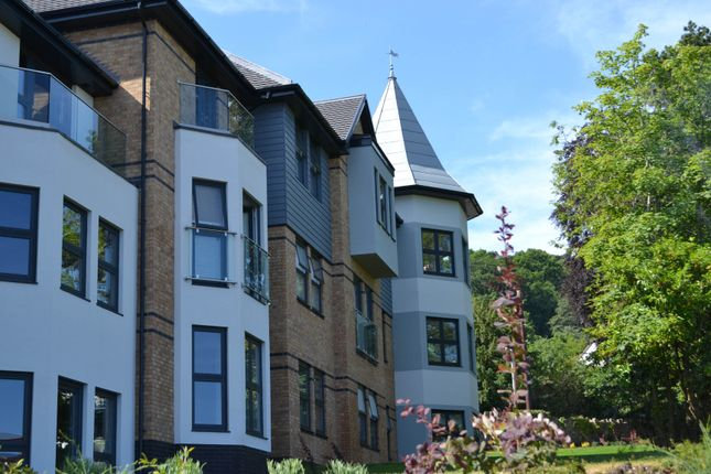 Flat for sale in Apartment 6, 35 Pwllycrochan Avenue, Colwyn Bay