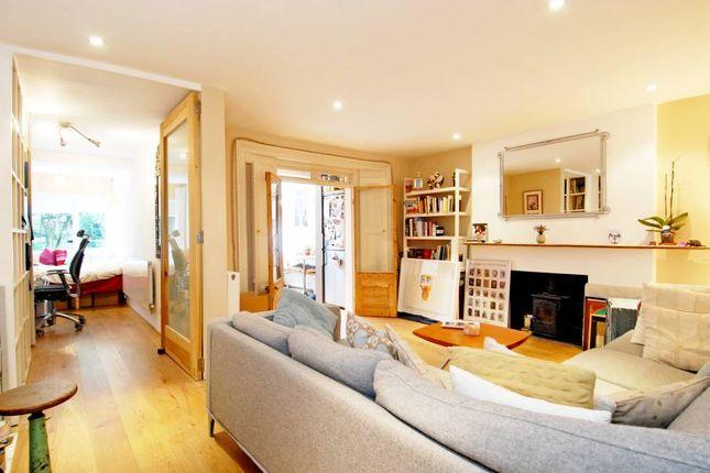 Thumbnail Flat to rent in Bamborough Gardens, London