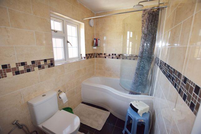 Bathroom of The Harebreaks, Watford WD24