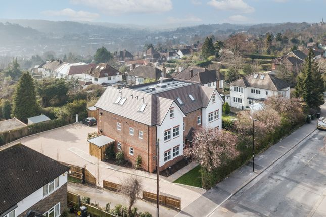 Thumbnail 2 bed flat for sale in Edgehill Road, Purley