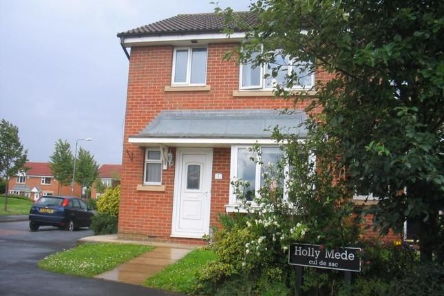 Thumbnail Property to rent in Holly Mede, Ossett