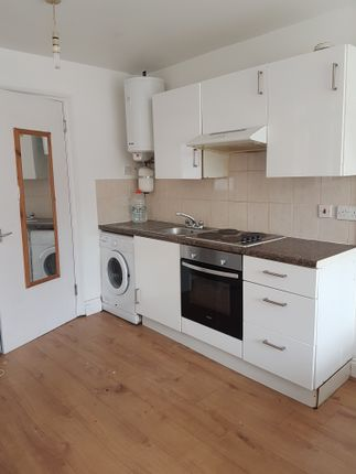 Thumbnail Flat to rent in Mountview Road., Finsbury Park.