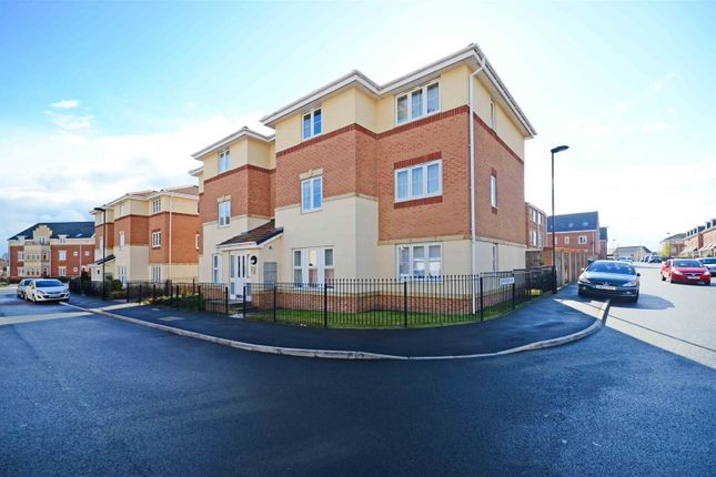Doveholes drive sheffield s13 2 bedroom flat for sale for Timetable 85 sheffield