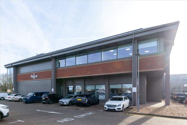 Thumbnail Office to let in Churchill Court 3, Crawley