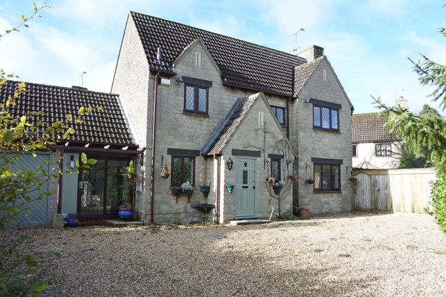 4 bed detached house for sale in Hill Hayes Lane, Hullavington