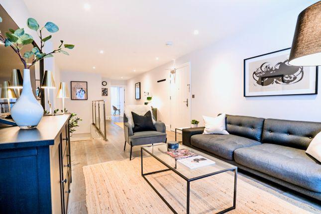 Thumbnail Duplex to rent in 10-11 King's Mews, Bloomsbury