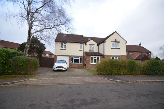 5 bed detached house to rent in Bramblewood Close, Thornhill, Cardiff CF14