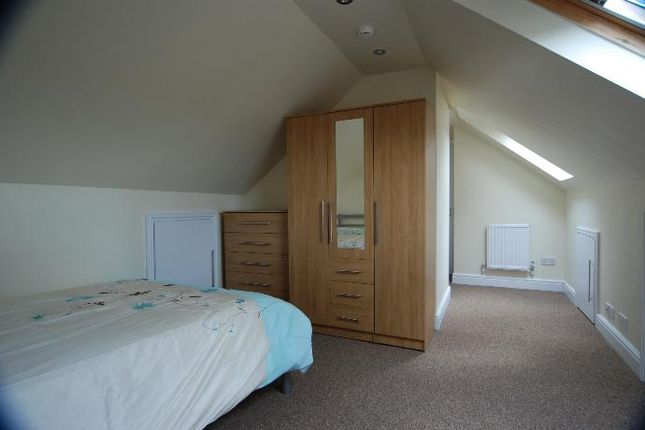 Thumbnail Shared accommodation to rent in Swanston Path, Watford