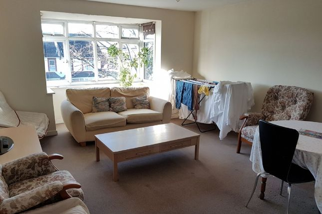 Thumbnail Flat for sale in Terry Lodge, 680 London Road, Thornton Heath
